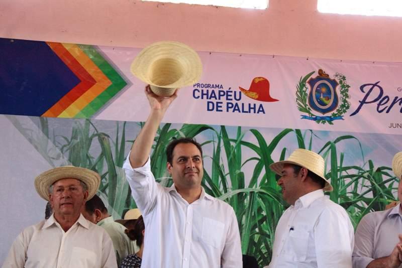 Governador Paulo Câmara participou da ação 4954ce7c7de